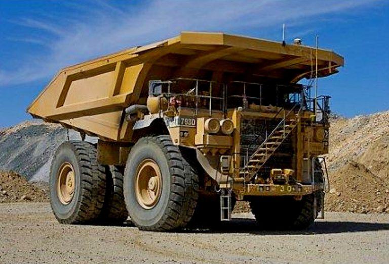 Caterpillar 793D Mining off-road Truck