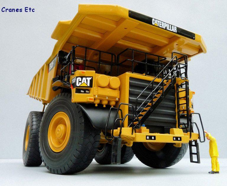 Caterpillar 793F Mining off-road Truck