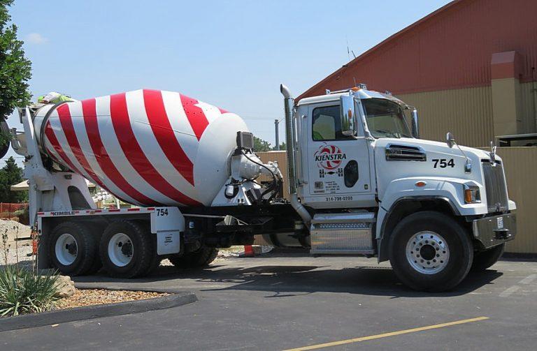 Western Star 4700SF, set-forward, Standart Cab truck mixer