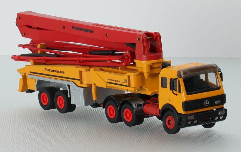 Putzmeister BSF 52.16 2-axle semi-trailer-concrete pump with boom M52