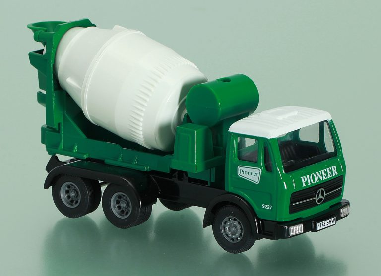 Truck mixer «Pioneer» on the chassis Mercedes Benz NG