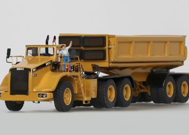 Haulmax 3900T off-road auto train for mining industry: truck tractor with semi-trailer