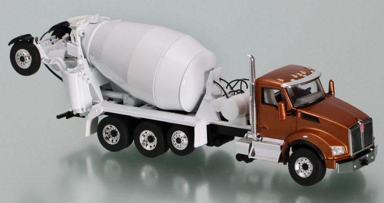 McNeilus Bridgemaster Mixer M 80 truck mixer