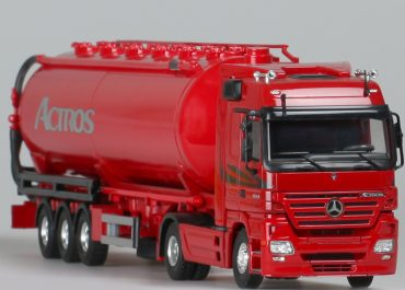 Mercedes Benz Actros MP2 Megaspace 1844S truck tractor with 3-axle semi-trailer-tank