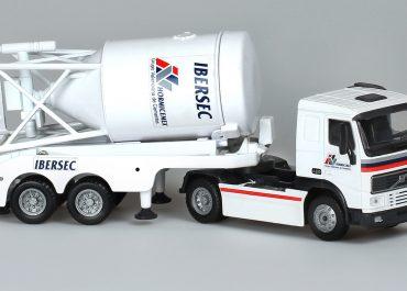 Volvo FH 12.420 «HormiCemex» truck tractor with 2-axle semi-trailer-powder