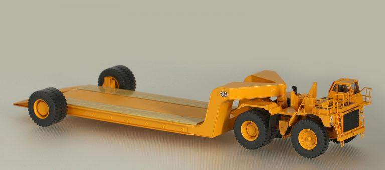 Caterpillar 776 Off-highway tractor with 1-axle trailer Mega MET-185