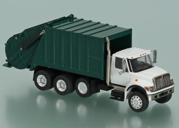 Leach 2RII Packmaster garbage truck on the chassis International Harvester 7000