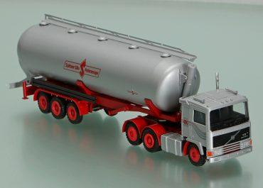 Volvo F 12-400 Intercooler 6х2 truck tractor with 3-axle Truck semi-trailer-powder