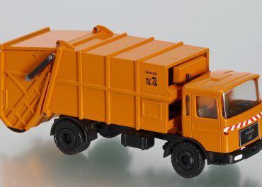 Haller M16 x2 on the chassis MAN F8 16.192 F-KO garbage truck