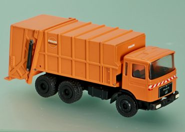 FAUN Universal garbage truck on the chassis MAN F8 26.280 DF