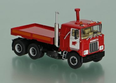 Mack F 700 «Mammoet» heavy saddle-ballast tractor