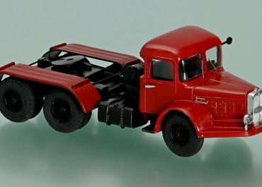 Bernard 150MB35 TTC63 heavy truck tractor with traction winch