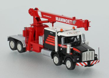 Kenworth T800W 8×4 «Mammoet» truck tractor with crane National Crane and low-frame treller Trail King, jeep & bolster