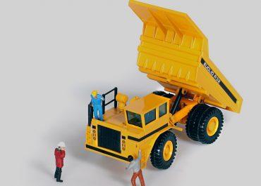 Euclid R-32 off-road Mining rear dump truck