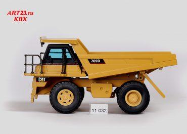Caterpillar 769D off-road Mining rear dump truck
