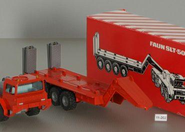 FAUN SLT-50-2 «Elefant» off-road heavy tractor with semi-trailer Blumhardt