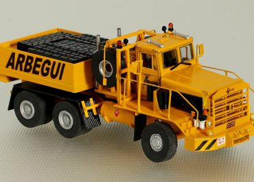 Hayes W-HDX 70-170 «Arbegui S. A.» heavy saddle-ballast tractor