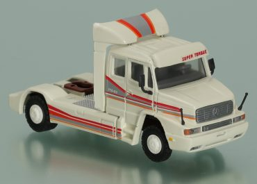 """Mercedes-Benz LS 1941 """"Super Torque"""" Highway truck tractor"""
