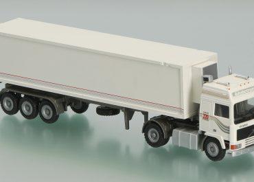 Volvo F 10-320 Intercooler Globetrotter truck tractor with semi-trailer-refrigerator