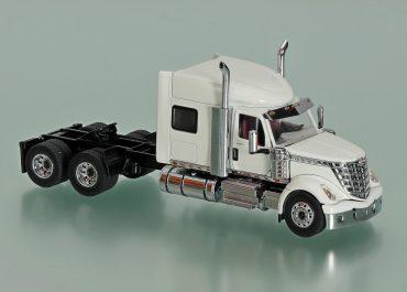 International LoneStar Highway truck tractor with cab 73″ High Rise Sleeper