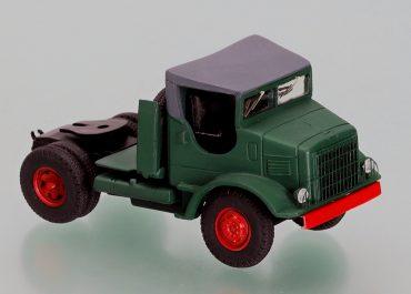 International Harvester M 426 truck tractor