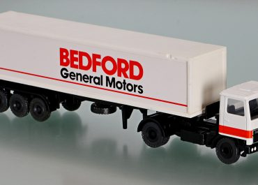 Bedford TM V8340 «Bedford General Motors» truck tractor with semi-trailer-container ship
