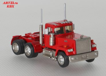 Mack RW Superliner truck tractor with low-frame treller Rogers